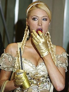 paris hilton eating